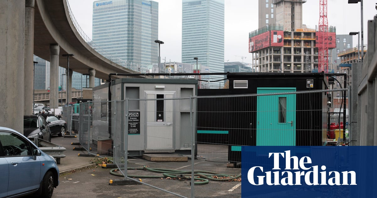 How Deliveroo's 'dark kitchens' are catering from car parks