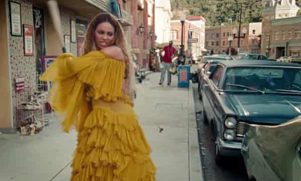 "Beyoncé's ""Hold up"" video."