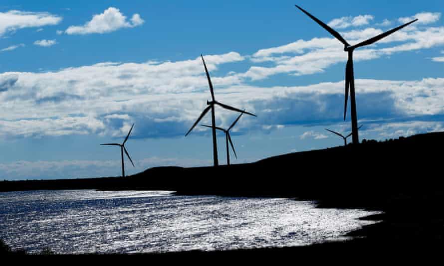 Nước Anh – người dân được trả tiền để sử dụng năng lượng tái tạo vào cuối tuần đầy gió