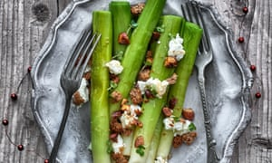 Steamed leeks with goat's cheese, brown butter and almonds