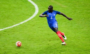 Mamadou Sakho visited the France team during Euro 2016 to give them support and hope to represent his country at next year's World Cup.