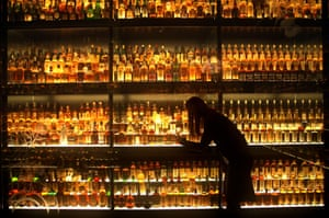 The Diageo Claive scotch whisky collection is the world's largest, with 3,384 individual bottles. The collection is on display at the Scotch Whisky Experience near Edinburgh Castle.