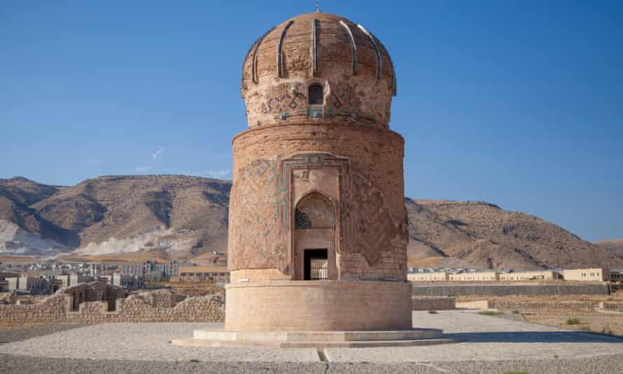 A 1,000-tonne tomb from the 15th century that was moved from its place in Hasankeyf village to just 3km away to stand alone near the new settlement.