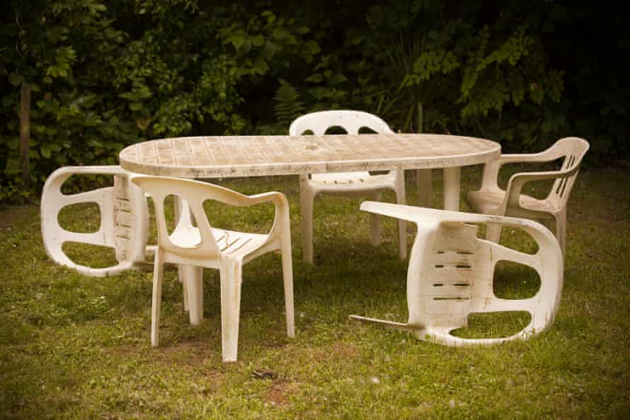Caring For Outdoor Furniture The Most, What Is The Best Way To Clean White Plastic Outdoor Furniture