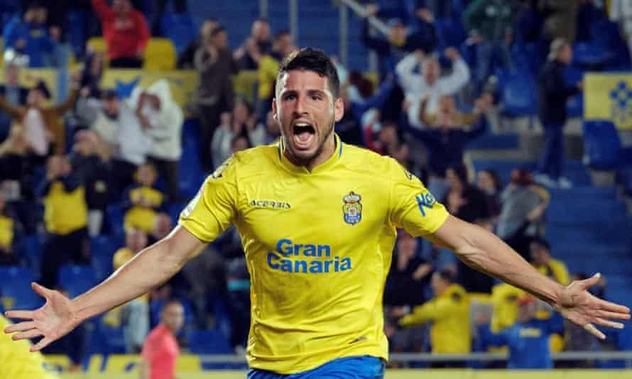 Jonathan Calleri celebrates after scoring against RCD Espanyol.
