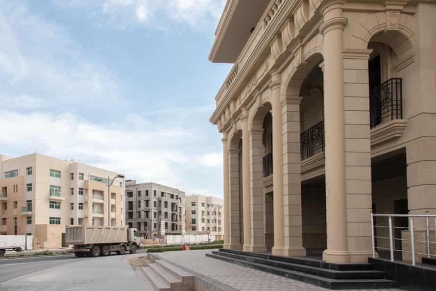 This is one of the first inhabited residential neighbourhoods of Lusail. The architecture is mock Italian.