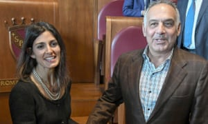 James Pallotta shakes hands with the mayor of Rome, Virginia Raggi, after their meeting on Roma's new stadium in April 2018