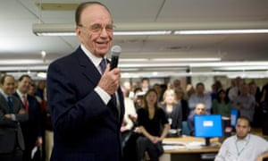 Rupert Murdoch addresses a crowded Wall Street Journal newsroom on 13 December 2007 in New York.