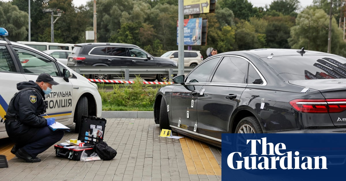 Shots fired at car carrying Ukrainian president's top aide
