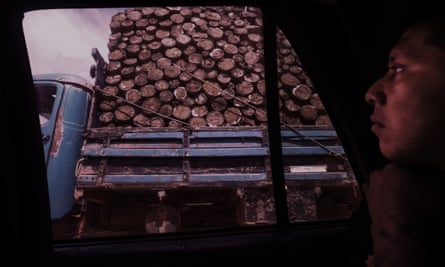 Hira, a Ka'apor indigenous leader and forest guardian, finds an illegal logging truck.