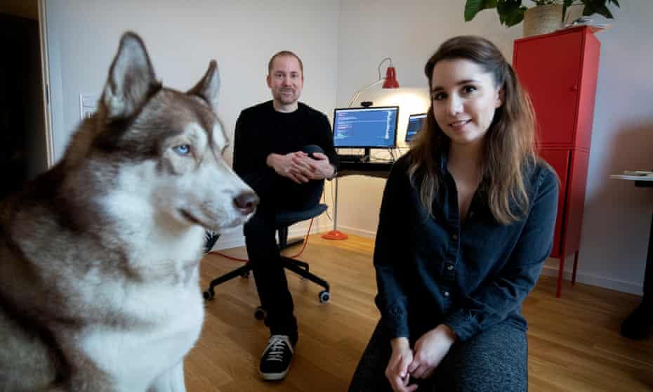 Aral Balkan and Laura Kalbag with their husky, Oskar.