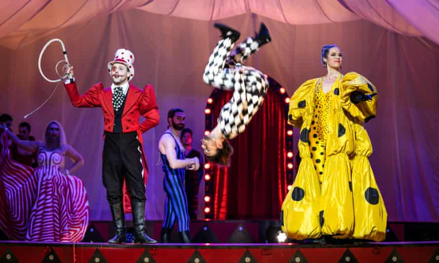 Setting life in a travelling circus to music... Opera Malmö's production of Glass's Circus days and nights