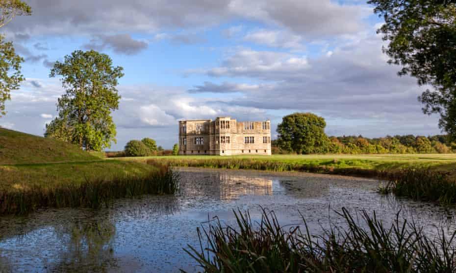 Lyveden New Bield, Sir Thomas Tresham's Elizabethan moated lodge.