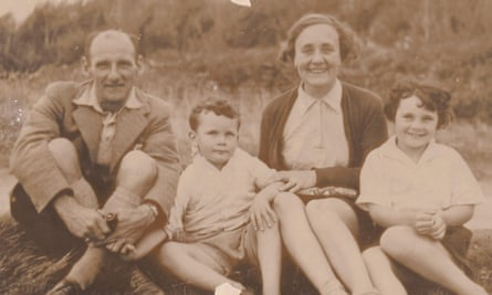 Rylance's grandfather Osmond Skinner, grandmother Hazel, mother Anne and uncle Richard.
