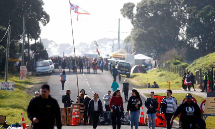 Protestors at Ihumātao opposed private housing development at the site.