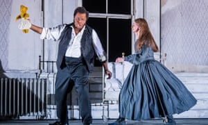 Lester Lynch as Enrico Ashton and Sarah Tynan as Lucia in Lucia Di Lammermoor