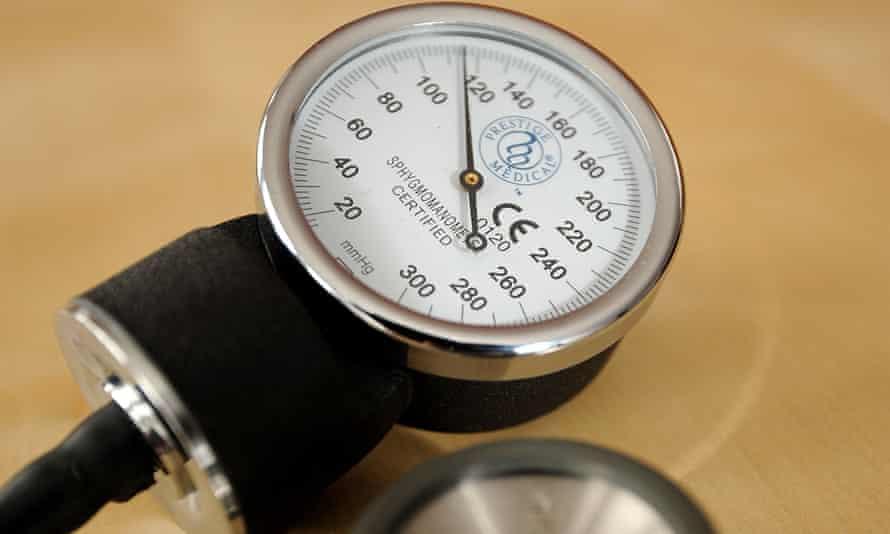 A sphygmomanometer is seen