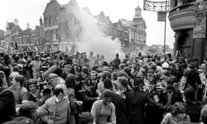 The Observer reported that 'the air was thick with acrid orange smoke as smoke bombs were hurled into the midst of the fighting'