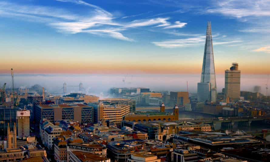 Fog gathering over London in December 2013. The recent cold weather saw a dramatic increase in pollution last week.