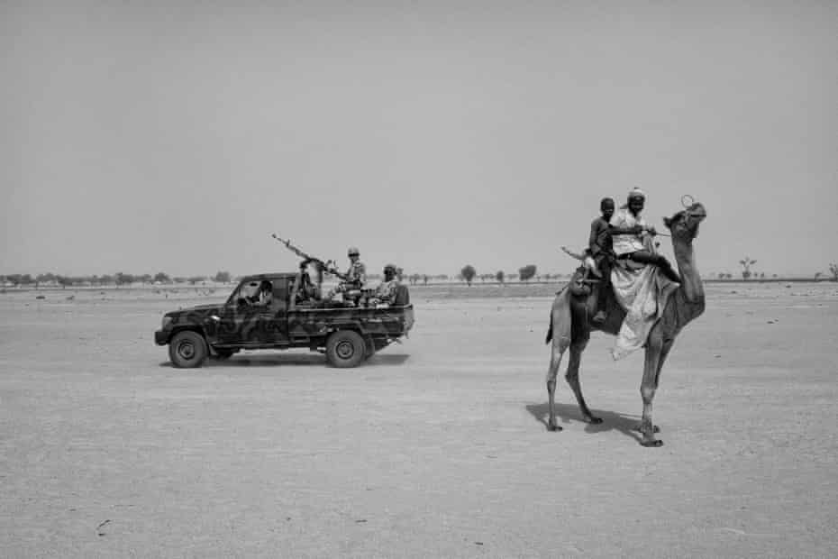 Nigerien security forces pass near Toumor refugee camp, in south-eastern Niger where 47,000 Nigerien refugees and IDPs have taken shelter.