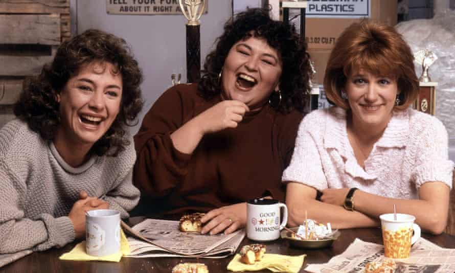 Metcalf with Roseanne Barr and Natalie West in a scene from the long-running sitcom in 1988.