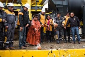 Alderwoman Reveca Cruz Sangali with Mayor Soledad Chapeton baptise an asphalt plant during its inauguration in El Alto