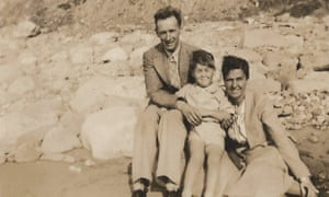 Reg and Nancy Bingley (pictured with another child) offered a lifeline to Robert Borger in 1938.