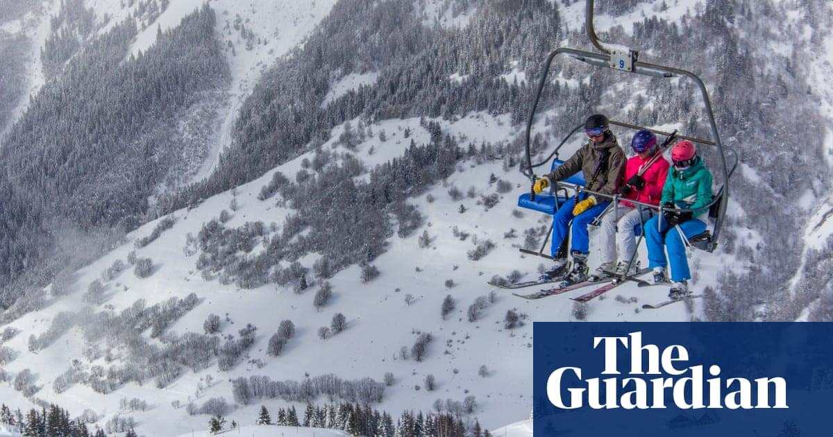 Christmas Village Ski Lift.Great Little Ski Resorts Vaujany France Travel The