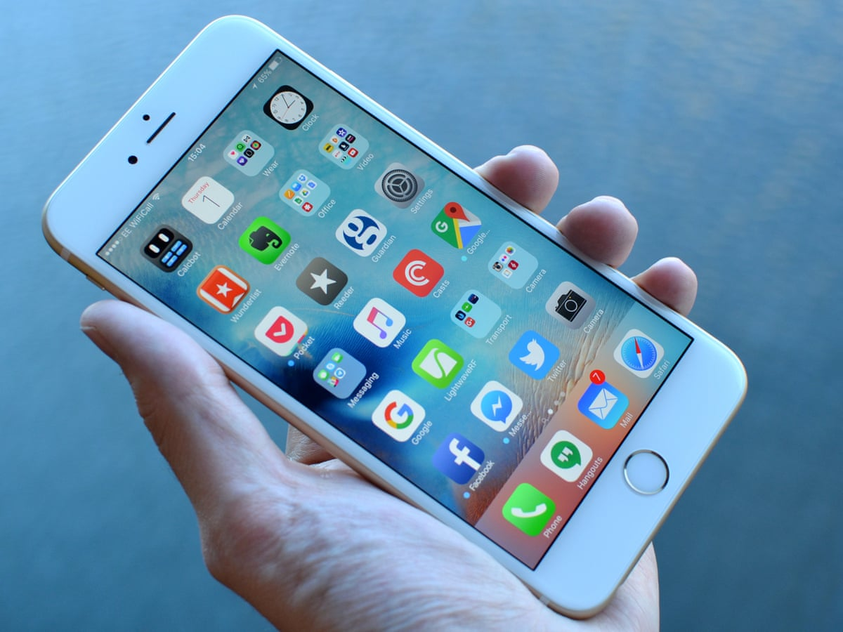 iPhone 6S Plus review: barely better than the iPhone 6 Plus   Technology    The Guardian