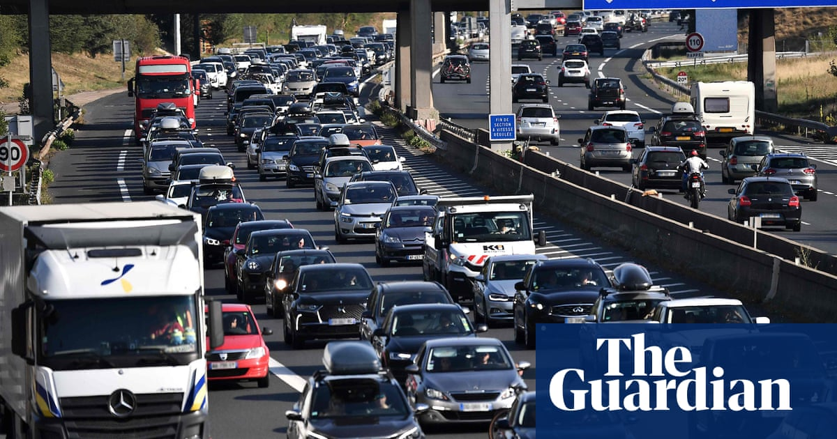 Britons in France could lose driving licences due to post-Brexit impasse