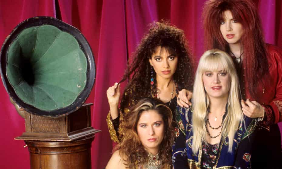 Inspired by Elvis's grave … from left, Vicki Peterson, Susanna Hoffs, Debbi Peterson, Michael Steele in 1988.