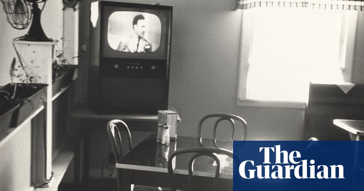 Robert Frank: the outsider genius whose photographs laid bare Americas soul