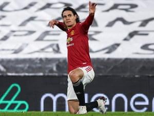 Edinson Cavani celebrates after scoring Manchester United's equaliser.