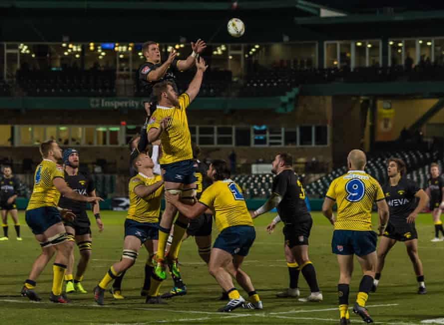 Glendale, in yellow, take on the Houston SaberCats at Constellation Field in Sugar Land, Texas in January 2019.