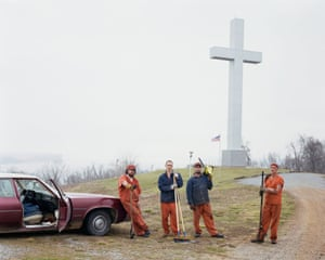 A convict work group by Fort Jefferson Memorial Cross in Kentucky, 2002.