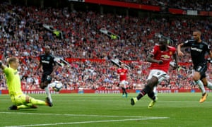 Romelu Lukaku gives Manchester United the lead against West Ham