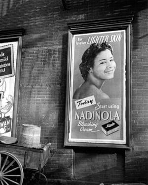 Advertisement for Nadinola bleaching cream, 'for lovelier lighter skin, in New York, 1944.