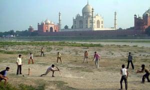Everyday life … the Taj Mahal, Agra.