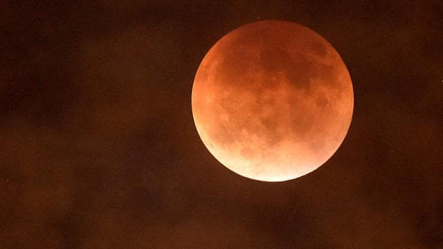 'Blood moon' brings prophecies of end times – but Nasa says not to worry