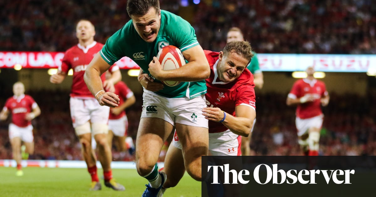 Two-try Jacob Stockdale helps Ireland squeeze home against Wales