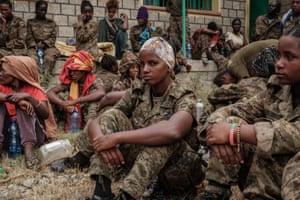 Captive Ethiopian female soldiers arrive at the Mekelle Rehabilitation Centre.