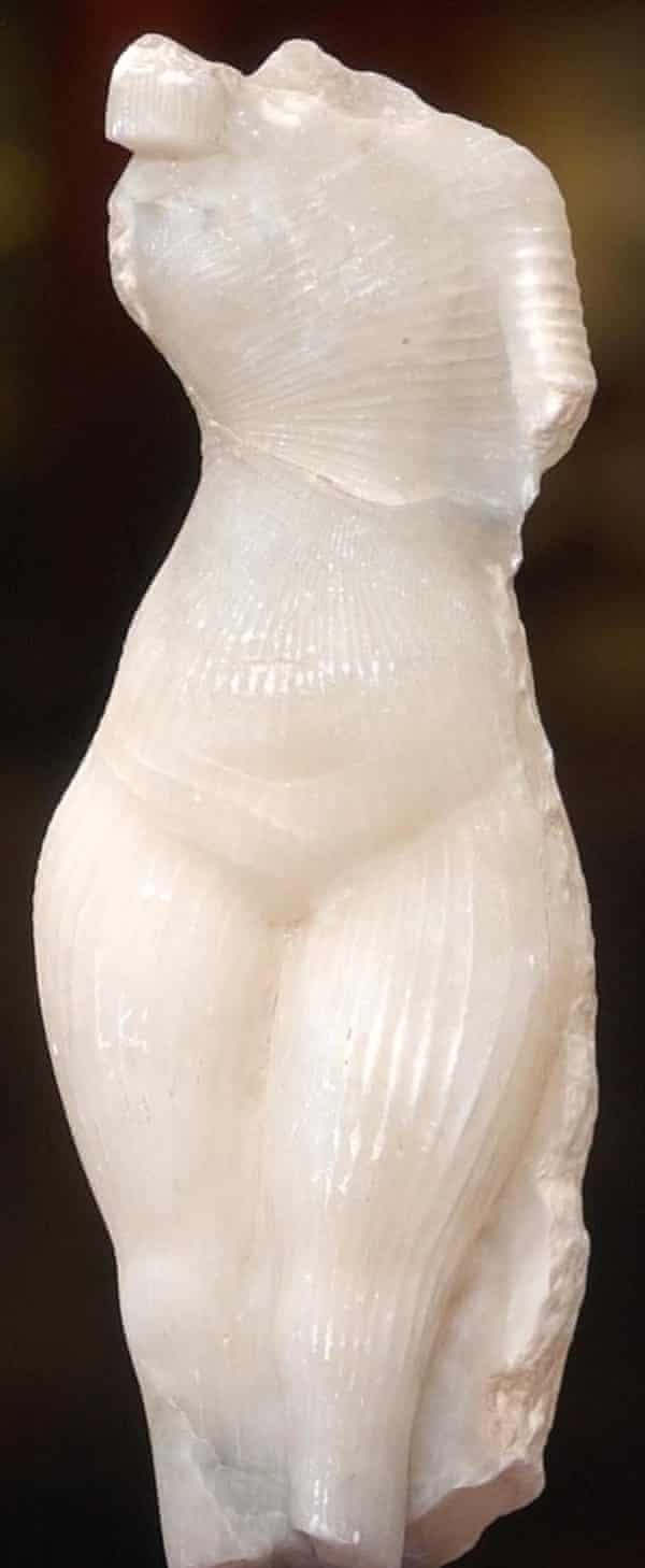 Amarna princess sculpture by art forger Shaun Greenhalgh