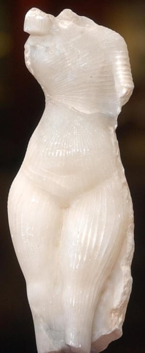 Amarna princess sculpture by art forger Shaun Greenhalgh