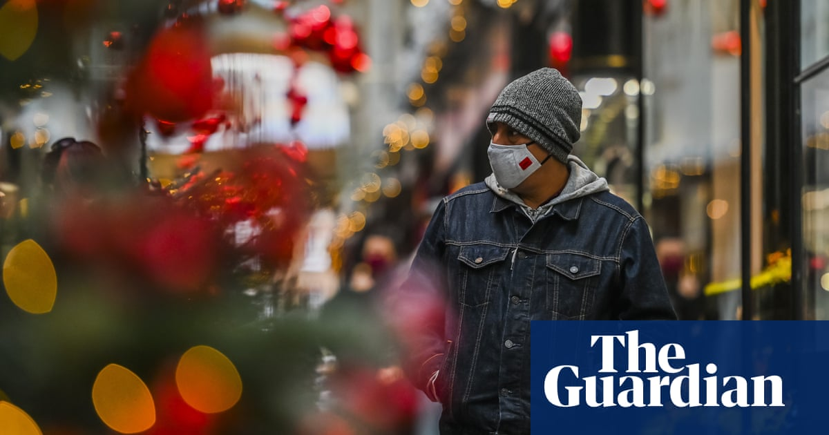 UK to stick with relaxed Christmas Covid rules but nations split on guidance