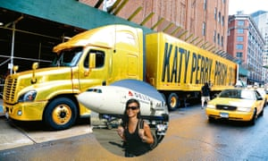 Rig rolling ... Katy Perry's truck; Rihanna's not-so-jolly