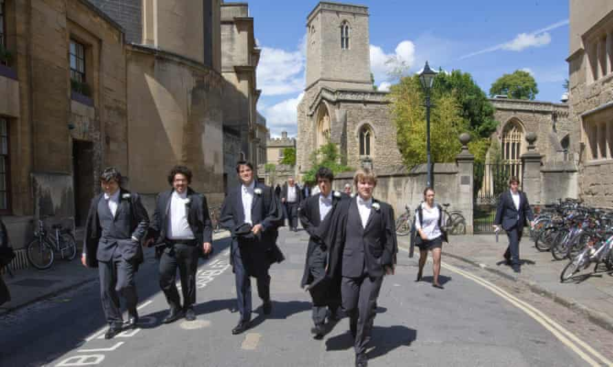 In 2015 Oxford University admitted 85 students from disadvantaged backgrounds.