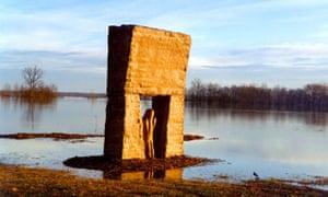 Tobi Kahn's sculpture Shalev at MacLeod Barn Abbey, New Harmony, Indiana.