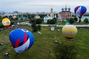 Ryazan, Russia Hot air balloons fly over the Monastyrsky garden of the Ryazan Kremlin during the 17th Nebo Rossii [The Sky of Russia] aeronautics festival