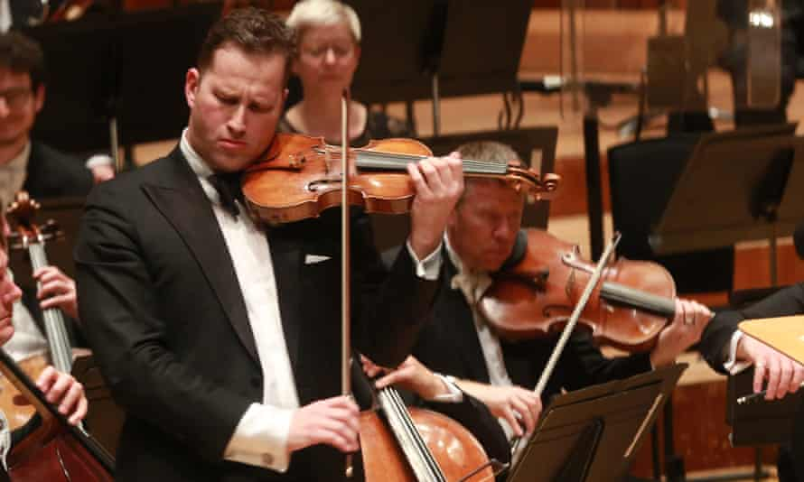 Nikolaj Znaider with the London Symphony Orchestra.