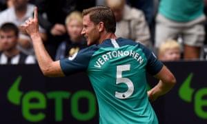Jan Vertonghen celebrates after scoring the opening goal.